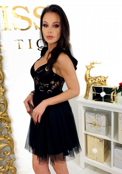 Czarna Sukienka QUEEN 1