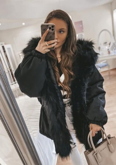 Czarna kurtka z futerkiem KAYA