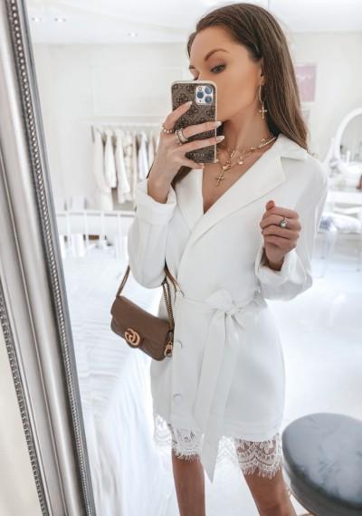 SukienkaPERCEY biała dwurzędowa wiązana w pasie